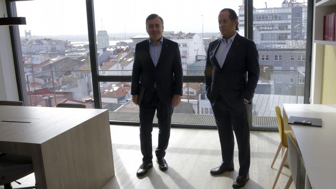 La presentación de la nueva oficina principal de Abanca, en imágenes.La sede central de Liberbank en Oviedo