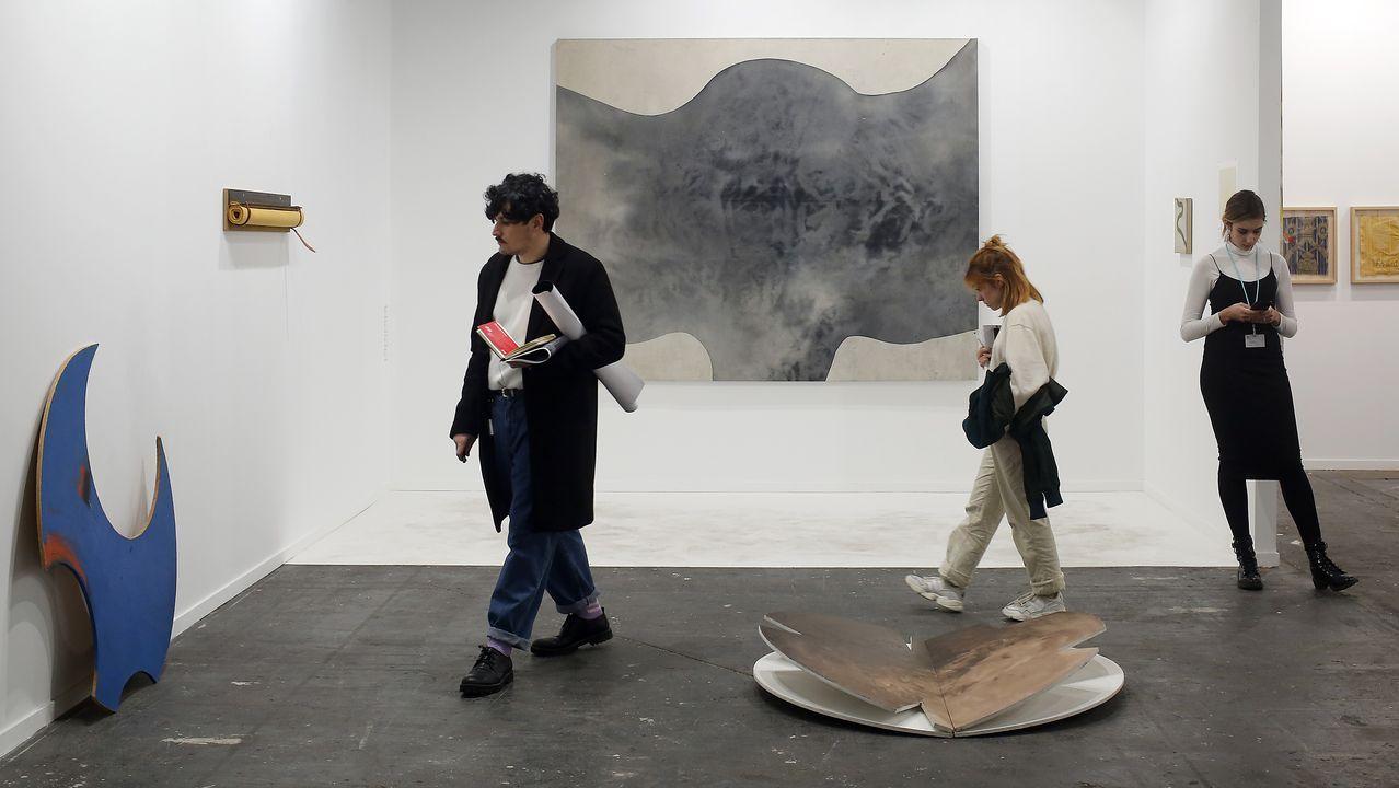 Tres piezas de Nacho Criado arropan a un gran lienzo de la gallega Berta Cáccamo en Formatocómodo