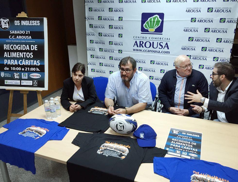 La campaña se presentó ayer en el C.C. Arousa