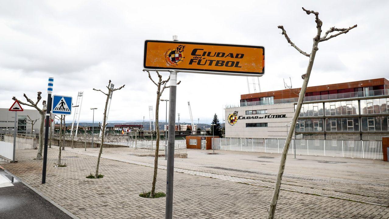 Autobús del Deportivo llegando a Riazor