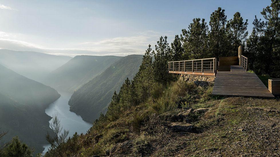 El mirador de Santiorxo está en una de las zonas más abruptas del cañón del Sil