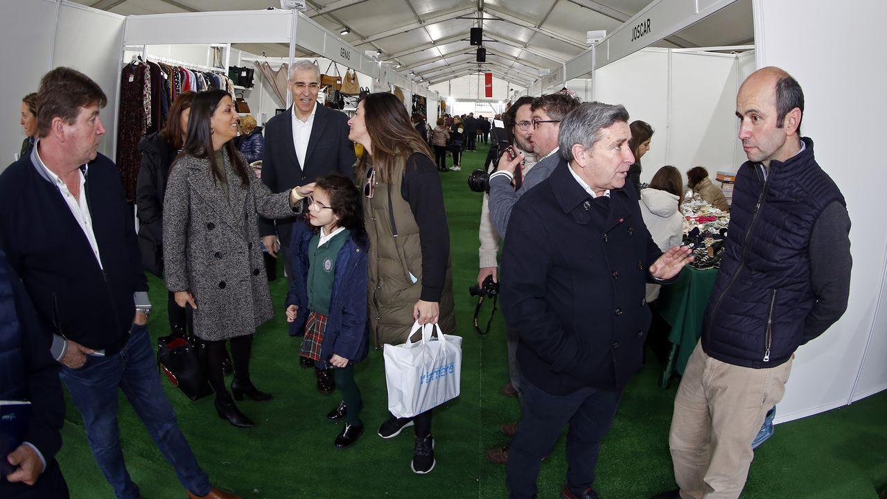 ¡Búscate en la inauguración de las ferias comerciales de Ribeira y Noia!