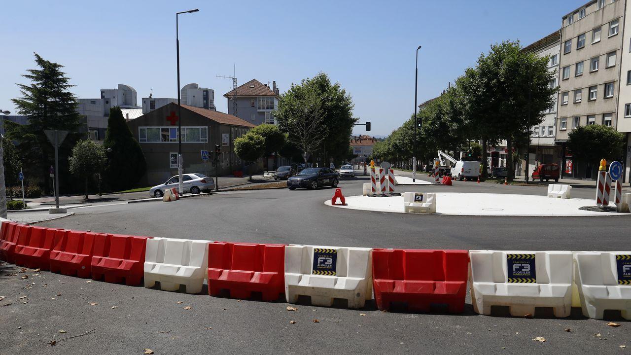 Conductas peligrosas de peatones de Santiago.Ernesto Ropa, jugador de fútbol; y Marcelo Ndong, artista