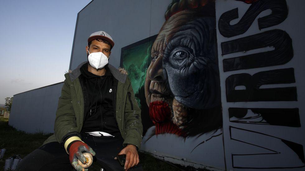 Diego As, elaborando el grafiti este sábado con el que ganó el premio nacional