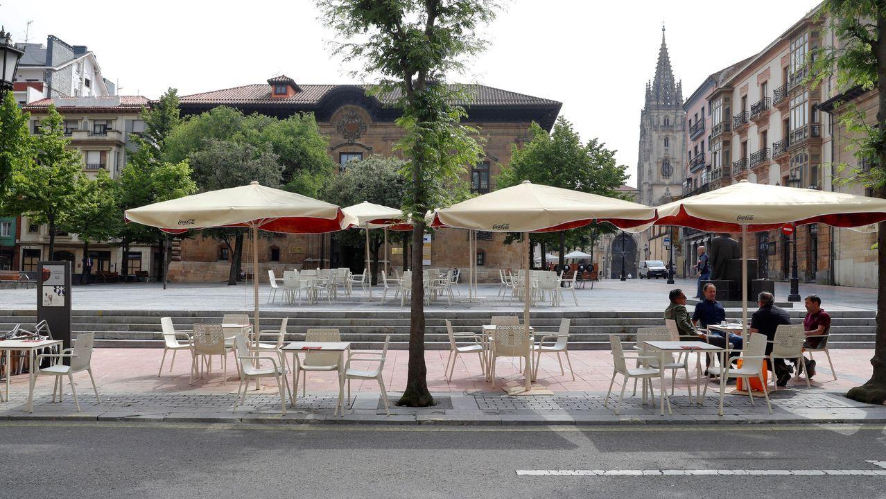 Asturias, Oviedo .Una terraza del centro de Oviedo.