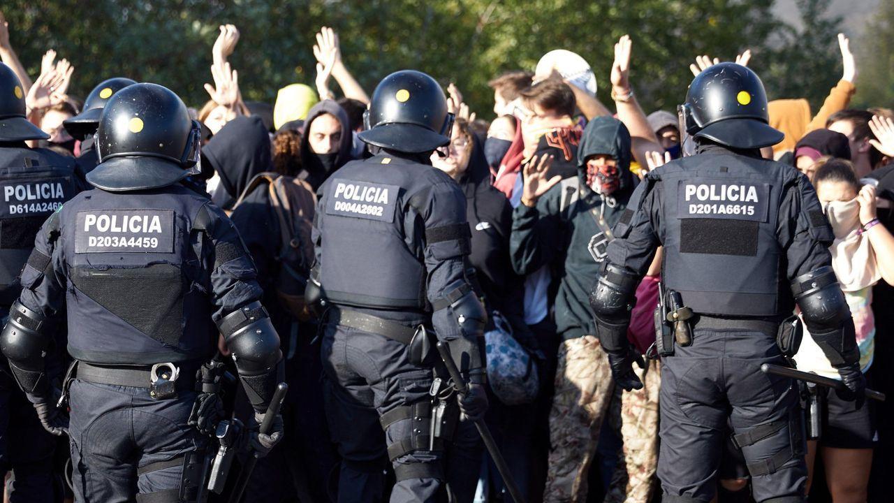 Más de medio millón de asistentes en la manifestación de esta tarde en Barcelona según la Guardia Urbana.El rey Felipe junto a Leonor, en la lectura de la Constitución de la princesa
