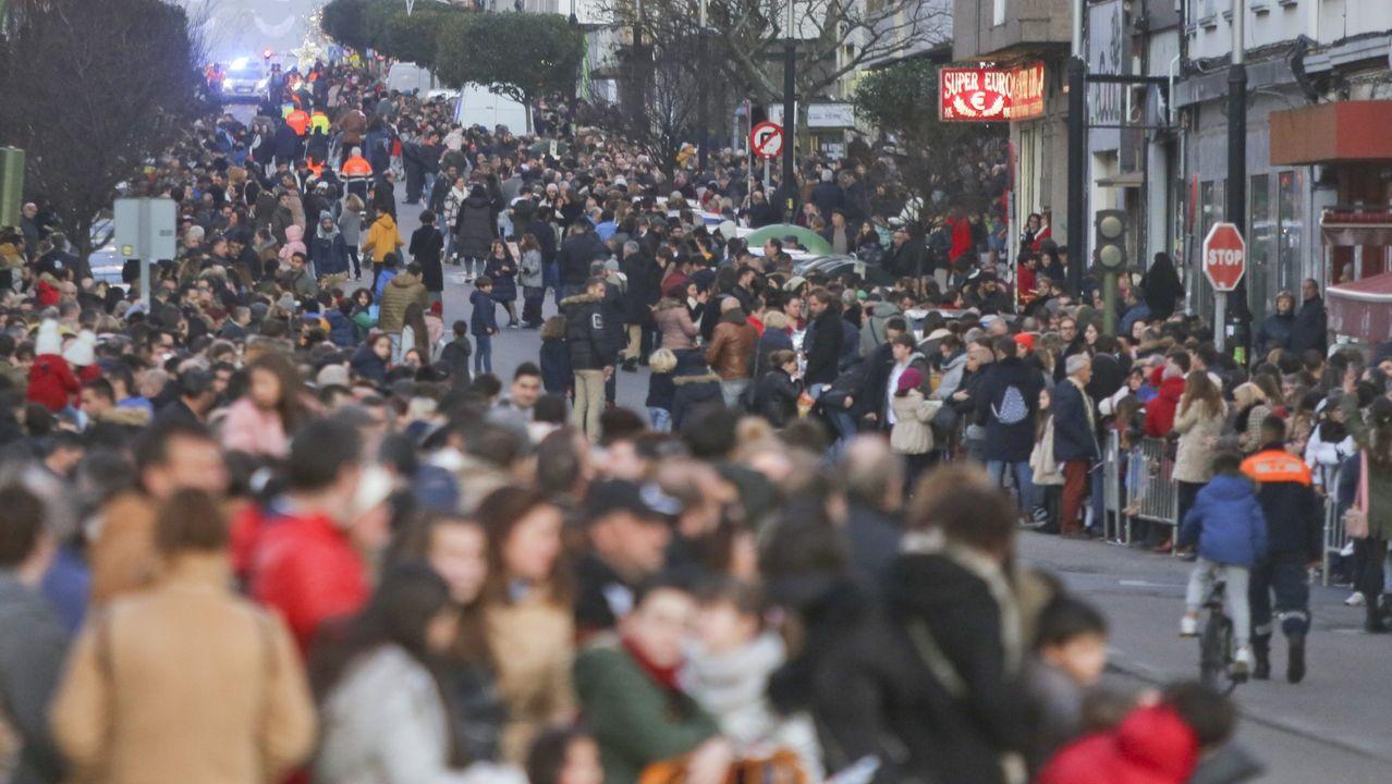 En Ferrol no habrá calbalgata mutituidinaria (en la imagen, la de las pasadas fiestas), pero los niños podrán ver a los Reyes en Armas del 2 al 5 de enero