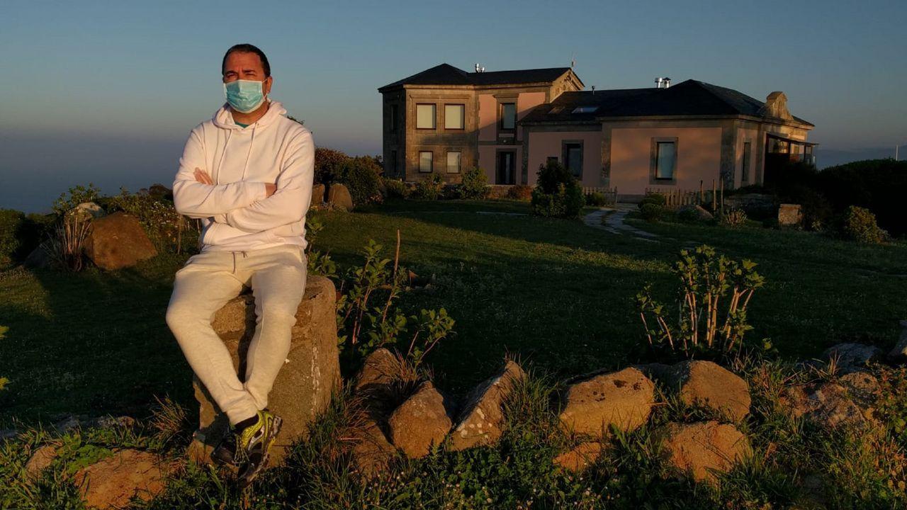 Juan Novo Gacio, al abandonar la planta séptima del Arquitecto Marcide