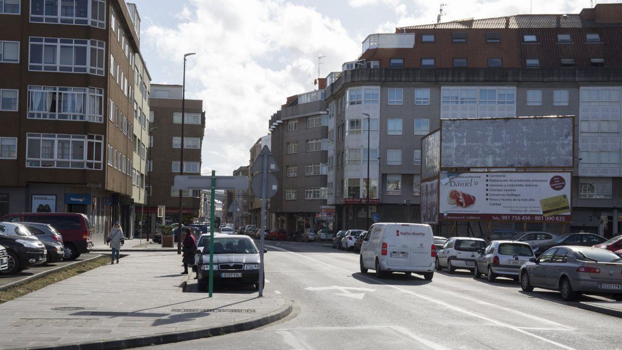 La autopista Y que conecta Oviedo, Gijón y Avilés, aparece desierta en la mañana de este sábado tras la entrada en vigor del cierre perimetral de estas ciudades