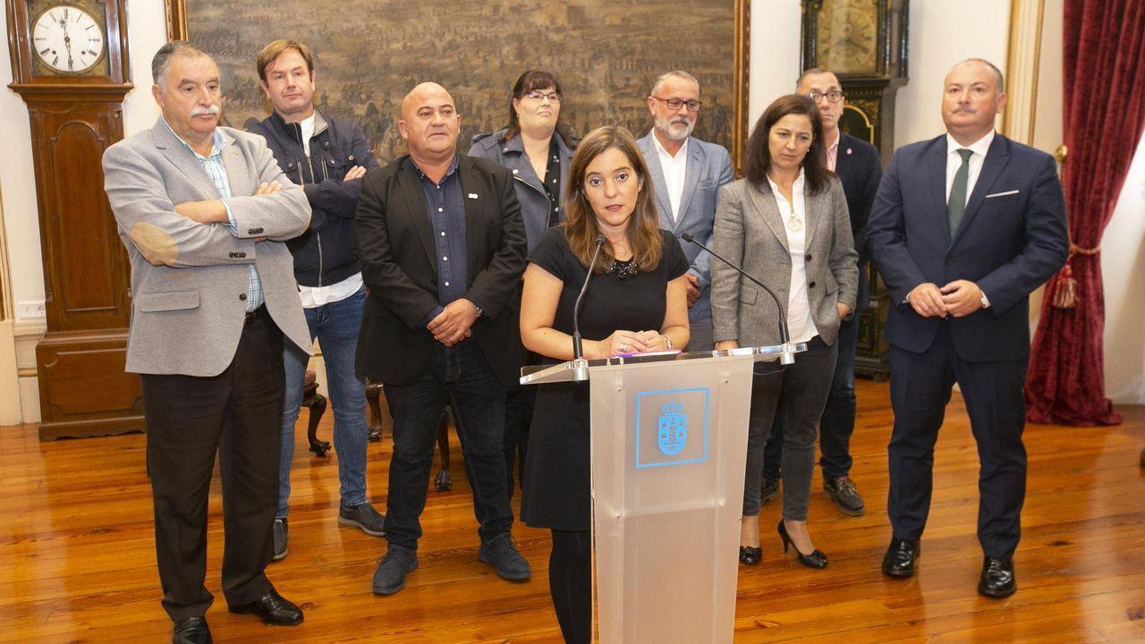 Toni.Los alcaldes del Consorcio, junto a la alcaldesa de A Coruña, en una reunión llevada a cabo en María Pita
