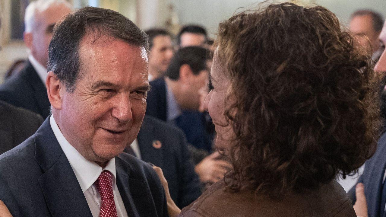 Abel Caballero: «Los ayuntamientos pedimos al Gobierno poder gastar en superávit que hemos generado en 2019».Teresa Ribera, vicepresidenta cuarta, encargada de la Transición Ecológica