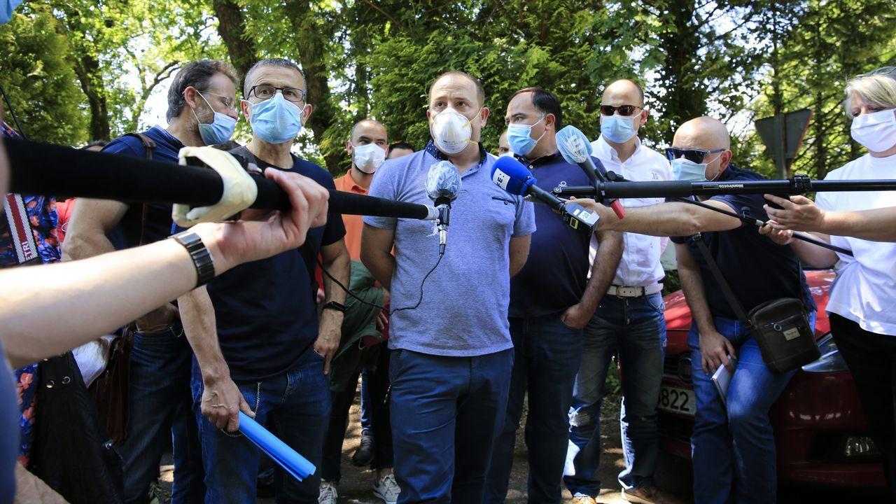 Protesta de los trabajadores de Alu Ibérica en Alfonso Molina.Vista da factoría de San Cibrao