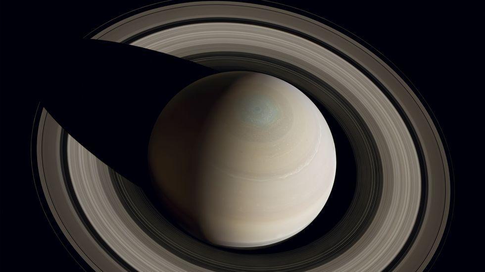 «Por encima del polo norte de Saturno» es una de las fotos que se pueden ver en Lugo. NASA/JPL/SSI/Cornell/Michael Benson, K.P.
