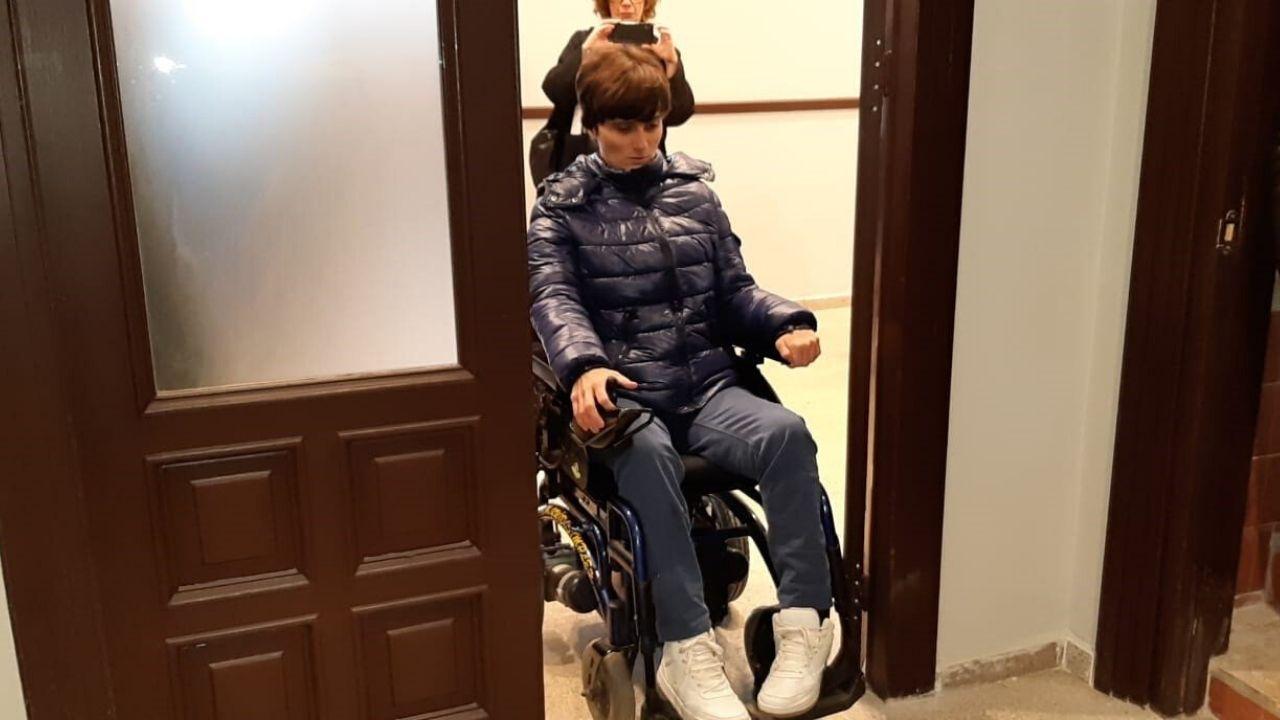 Mariñanos en FITUR.Muestra de la 'inaccesibilidad' de la Casa Paquet para personas en silla de ruedas