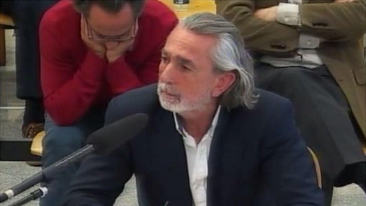 Trama Gürtel: estas son las condenas.El Bigotes, a la izquierda, junto a Crespo en una sesión del juicio