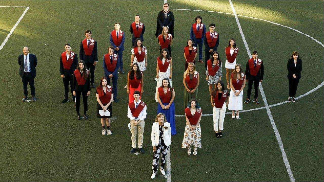 Mª Carmen Vázquez, fundadora de O Castro British School, celebra la 1ª promoción del Colegio Británico en Vigo