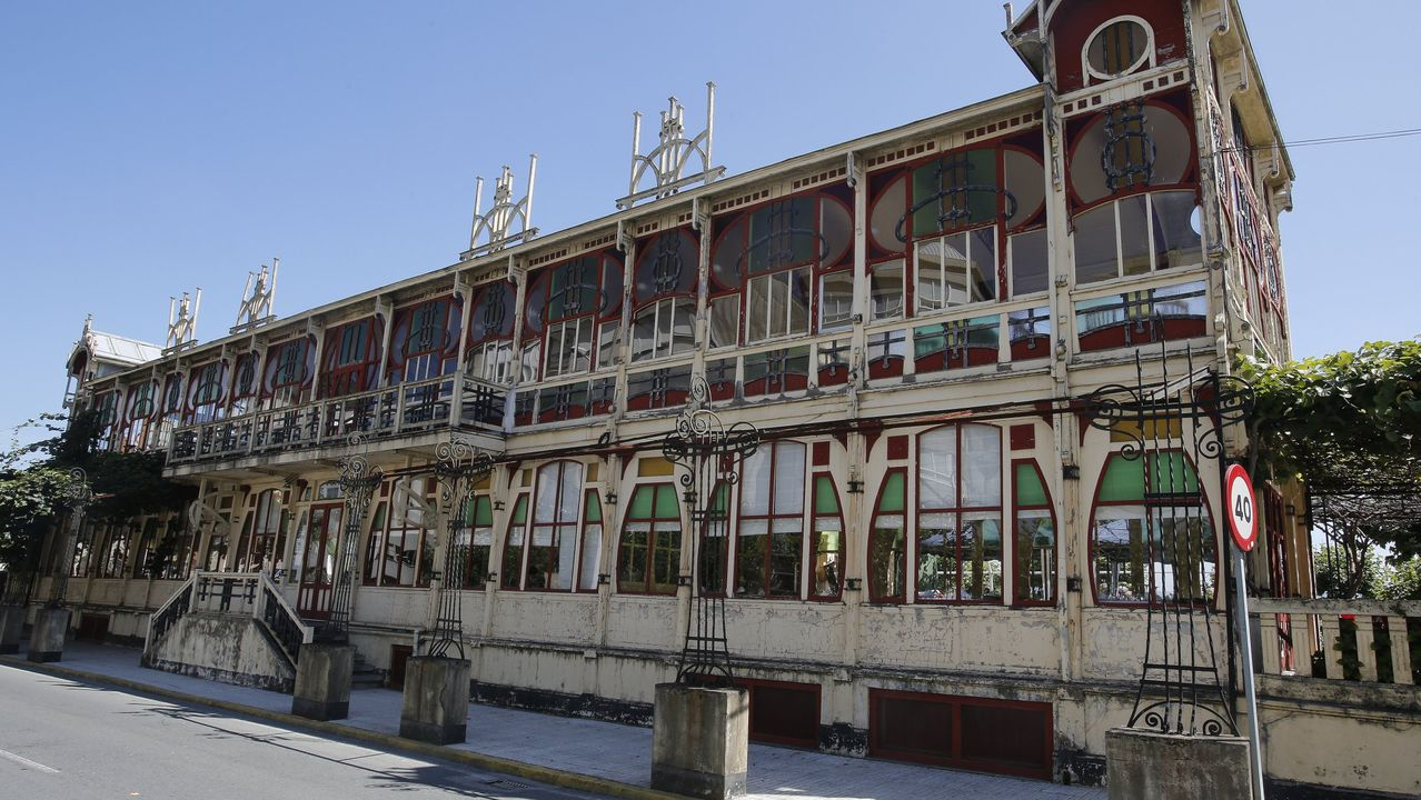 La ciudad homenajea a Concepción Arenal.Edifiio de La Terraza, en Sada.