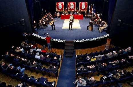 El discurso de Xavier Vence en la asamblea del BNG.Foto de la asamblea del BNG de Oleiros
