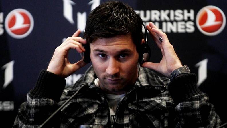 Messi, listo para enfrentarse al Betis.Filipe y Falcao hacen estiramientos en el entrenamiento.