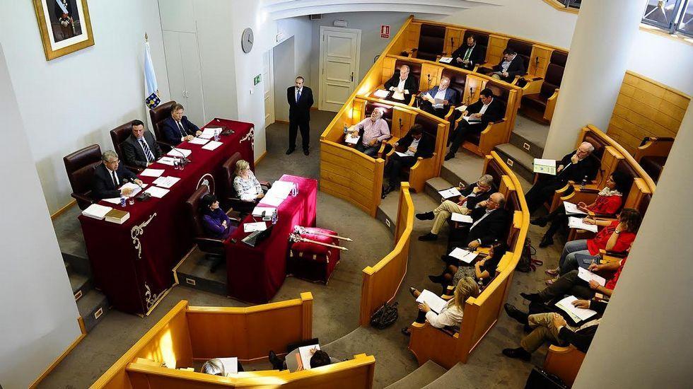 Oleiros, 36.600 euros por cabeza. La renta en el concello que acoge alguna de las grandes fortunas gallegas sube un 4 %