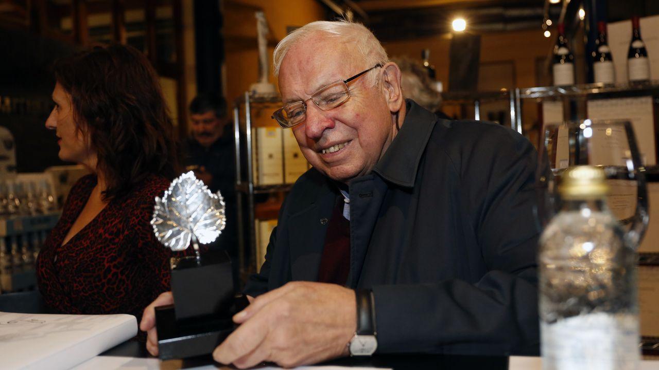Tomas Lindahl, Premio Nobel de Química en el 2015 visita la bodega Martín Códax.Distancia que recorrió la tapa del reactor hasta la vivienda del vecino sobre el que impactó