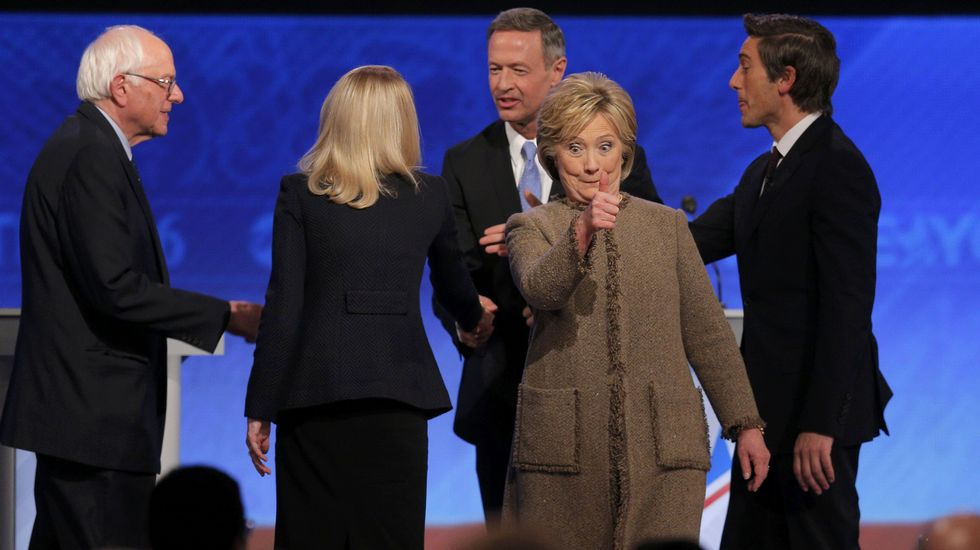 Michelle Obama apoya a Hillary Clinton con un mensaje conmovedor.Hillary Clinton y Beni Sanders