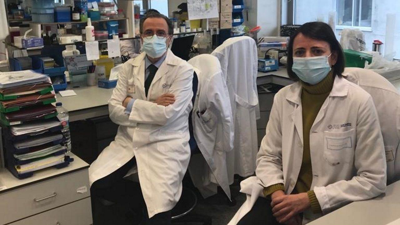 Francisco Blanco, director científico del Inibic de A Coruña, y Beatriz Caramés, investigadora del Chuac