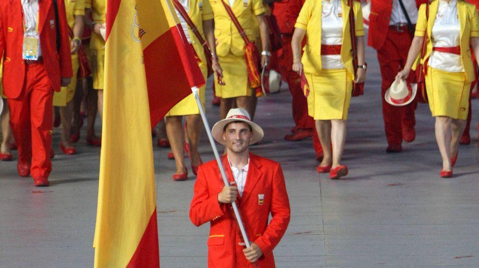 El dúo explosivo de Toro y Craviotto.<span lang= es-es >El oro de Perucho, el gran momento de gloria</span>. En el verano del 2008 O Muíño disfrutaba de la mayor gloria a la que puede aspirar un club deportivo, ver a su fichaje estrella, Carlos Pérez Rial, «Perucho», subirse a lo más alto de un podio olímpico. A su regreso de Pekín el de Cangas fue recibido como se merecía en Cabanelas.