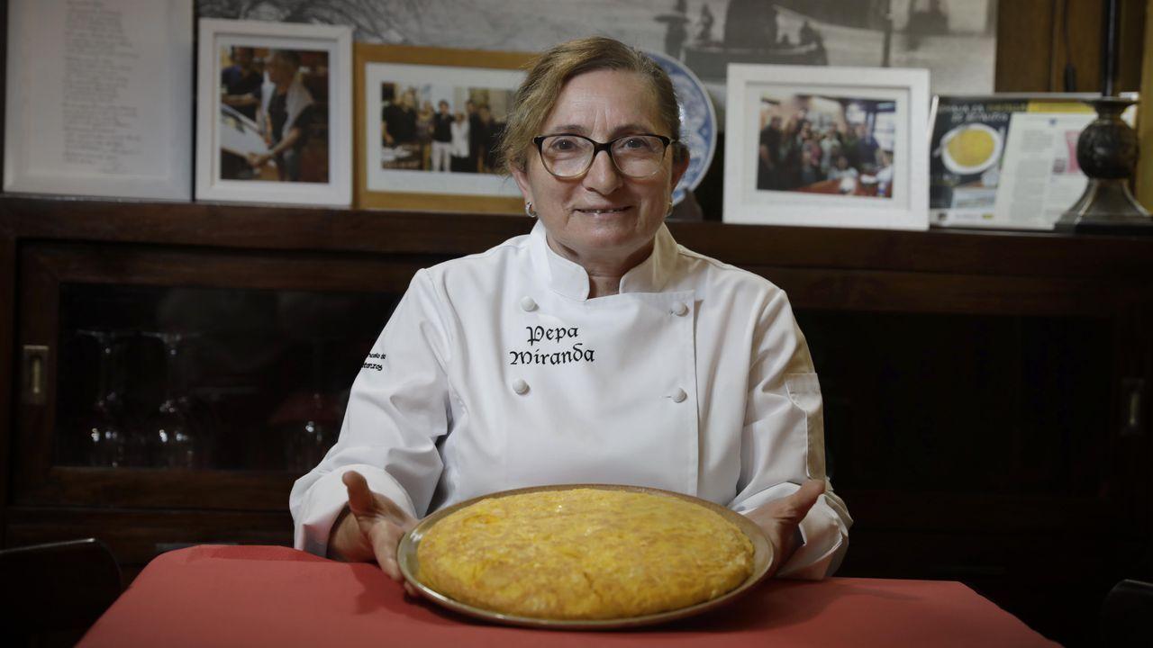 CASA MIRANDA, BETANZOS.   Decir tortilla de Betanzos es decir Casa Miranda. Pepa Miranda se ha llevado cinco premios a la mejor tortilla de esta villa.