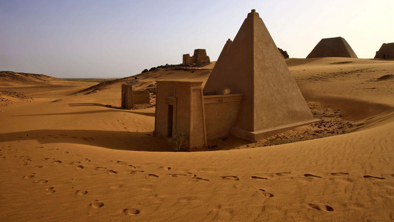 Imagen de las pirámides de Meroe, en sitio arqueológico de Bajarawiya