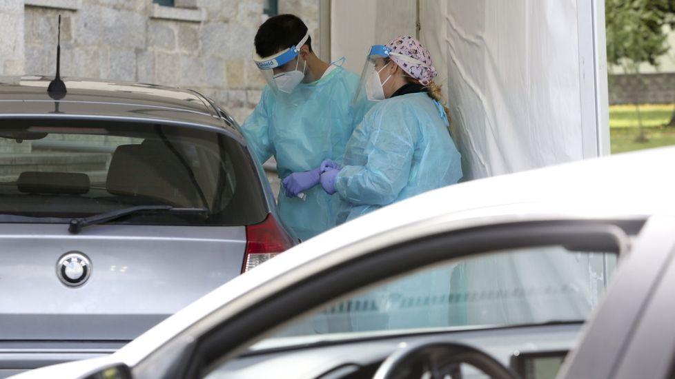 Carpa del Hospital Naval donde se realizan pruebas PCR para detectar nuevos casos de coronavirus