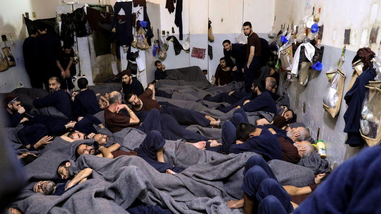 Extranjero sospechosos de pertenecer al Estado Islámico, en una prisión en Hasaka (Siria)