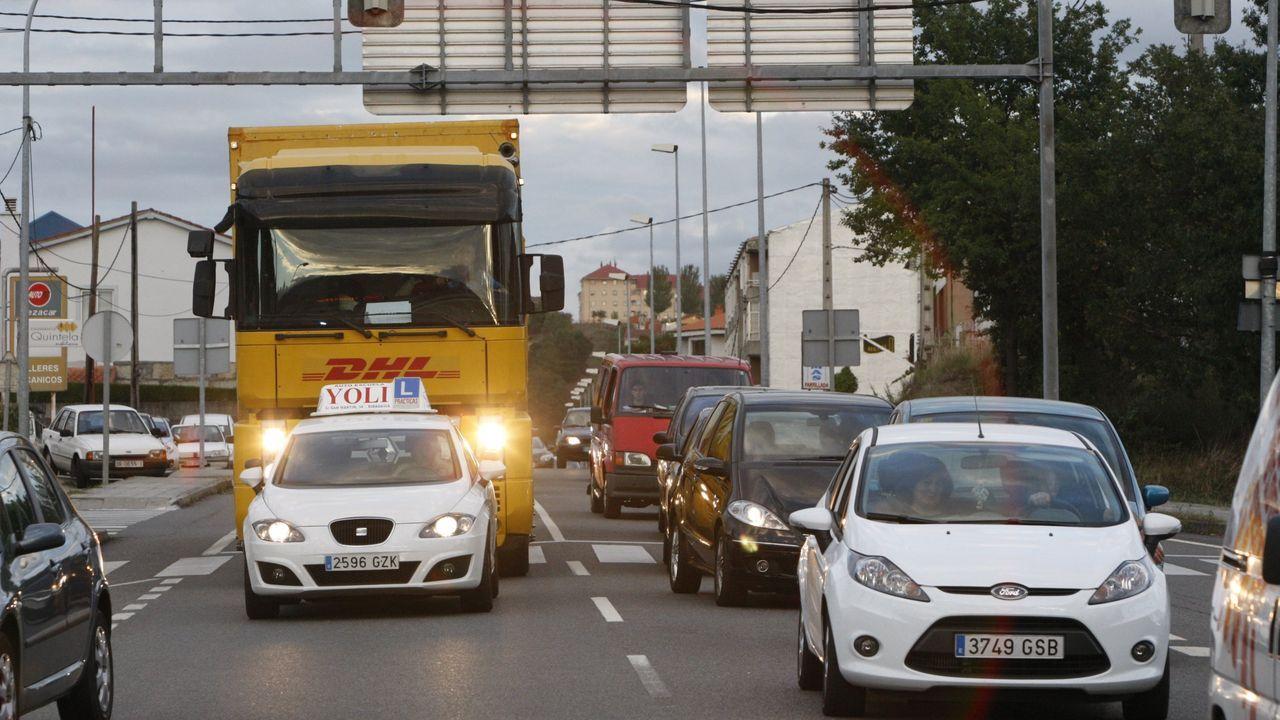 Mitin de Pedro Sánchez en Ourense.El impuesto de circulación es uno de los más importantes de gestión municipal