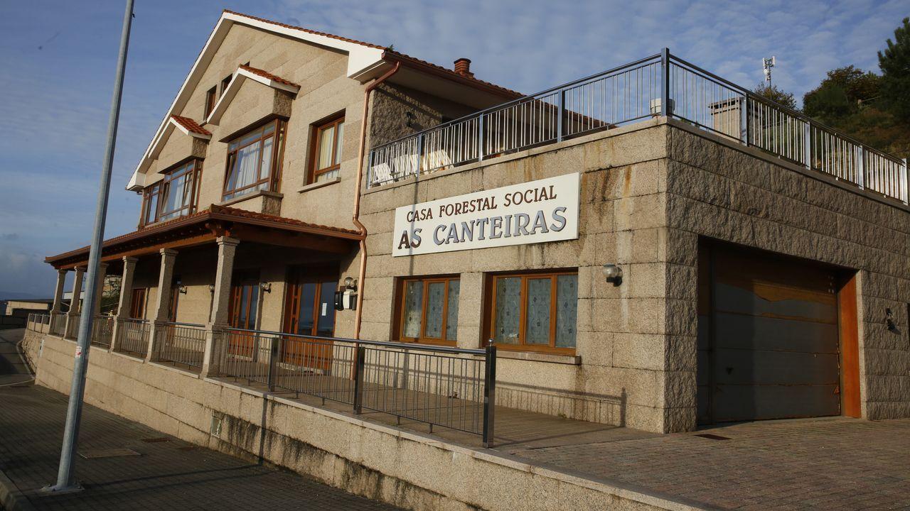 Muchos locales de hostelería de la ciudad han cerrado o ajustado sus horarios por las restricciones