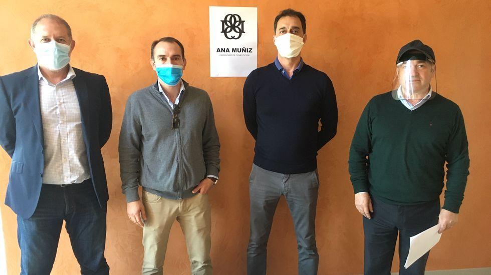 Entrega de los escudos faciales a la Diputación