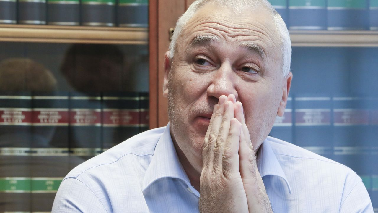 Martínez dice que mantiene conversaciones con Ciudadanos