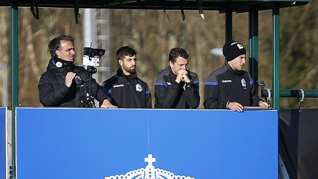 Pablo López (A la izquierda de todo), ayudante técnico