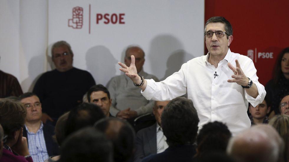 Susana Díaz: «Tengo fuerza, ilusión y me encanta ganar».Patxi López