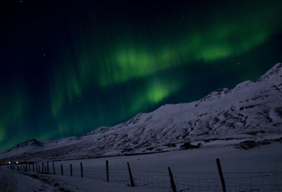 Tú también puedes crear una sociedad «offshore».En un viaje de regreso desde Reikiavic, Valal pudo contemplar la aurora boreal en primera persona.