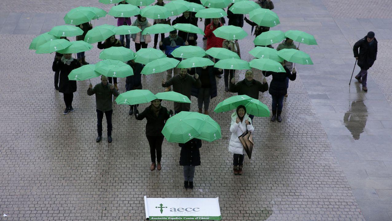 Imagen de archivo de una de las actividades de la AECC en A Coruña
