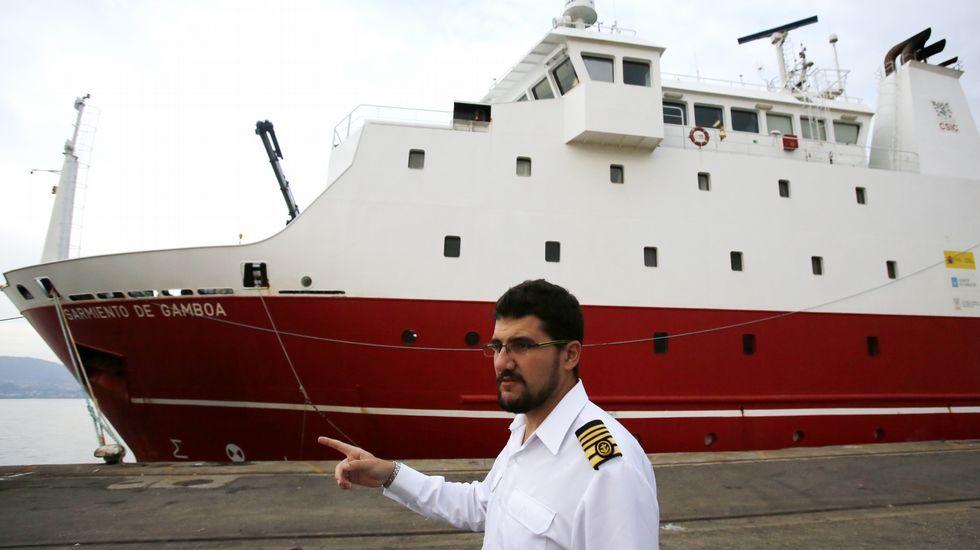 Remolcado a Laxe un pesquero portugués