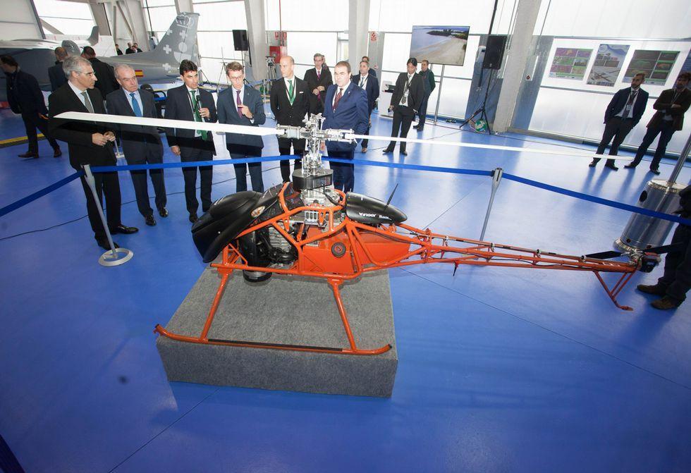 El tremendo poder el nuevo cohete de la NASA.Autoridades y técnicos realizaron anteayer a mediodía una visita a las instalaciones de Rozas.