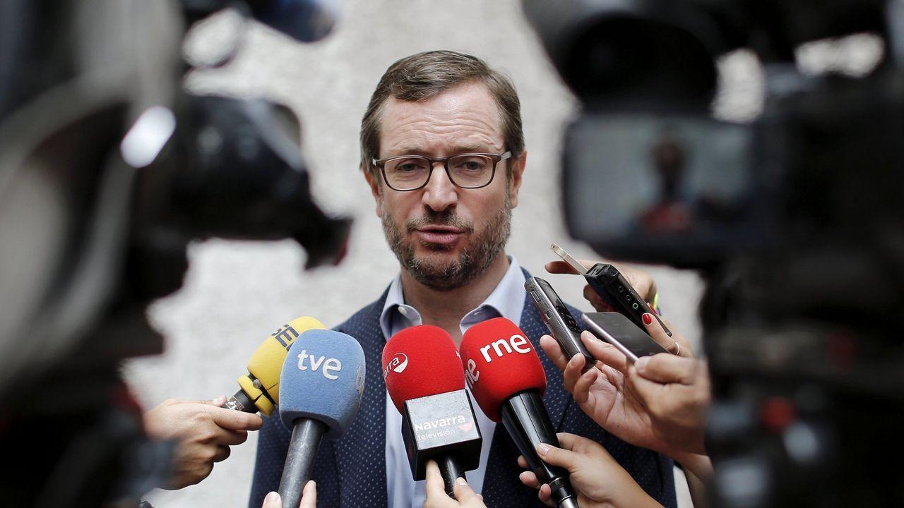 Maza promete que la Fiscalía actuará «serena» pero «firme» contra los independentistas catalanes.El edil de Persoal de Ponteareas, Francisco Floreal
