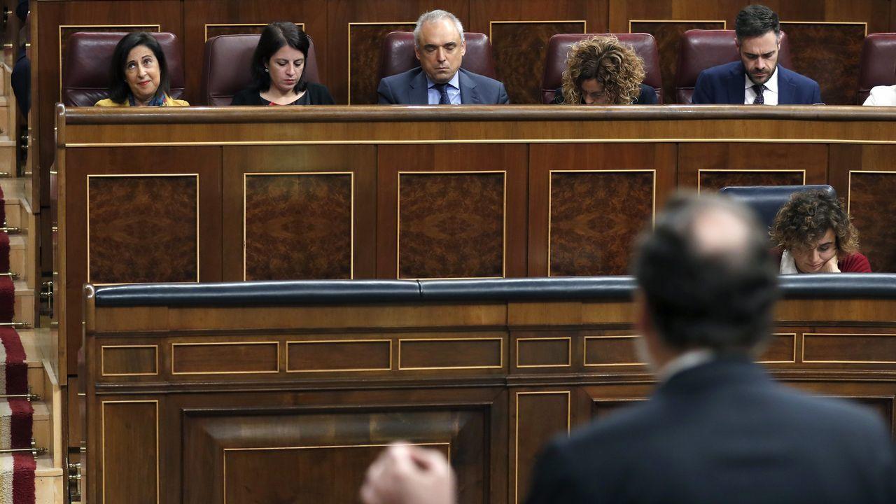 Forcadell acata las órdenes de Rajoy.Pedro Sánchez y Miquel Iceta en una foto de archivo