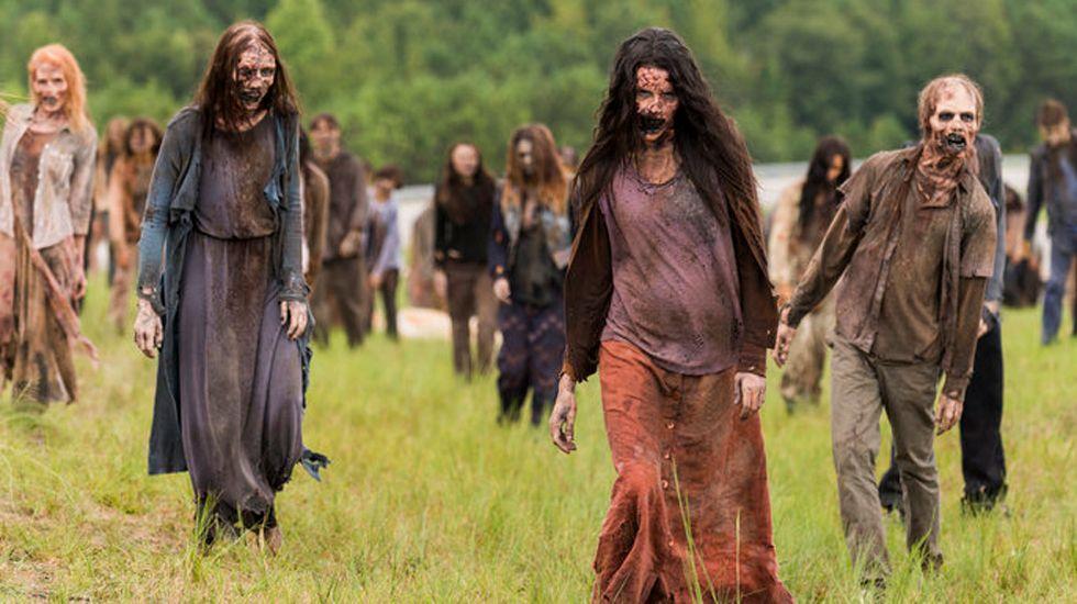 Tráiler del 7x11 de «The Walking Dead».Las prendas maxi con tonos otoñales dominan los campos zombis