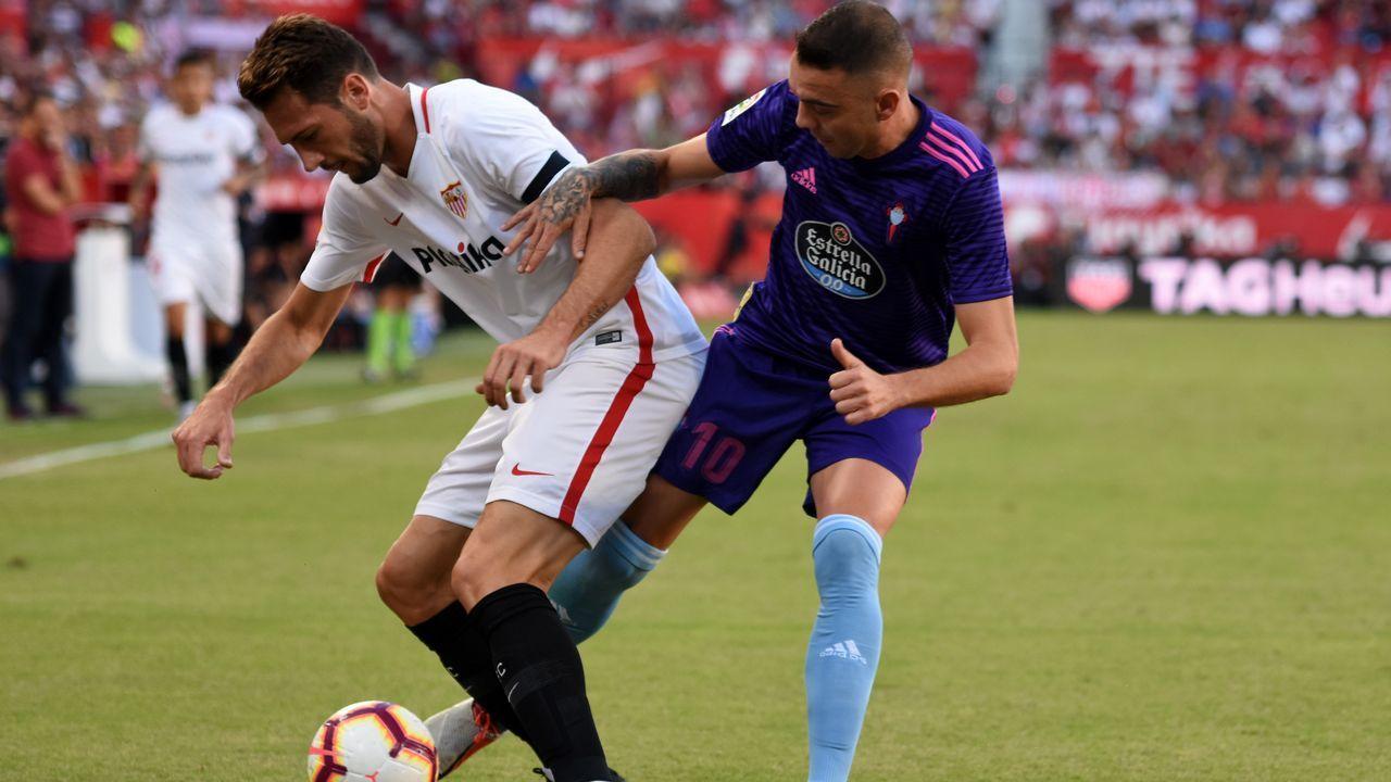 Las mejores imágenes del Sevilla - Celta.Choco Lozano celebra un gol con el Girona