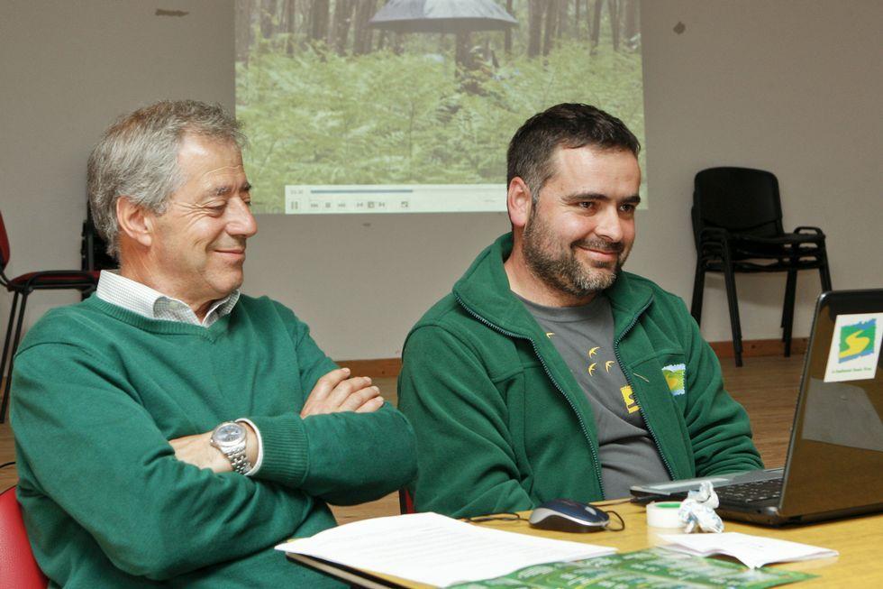 Evaristo Domínguez y José Manuel Menéndez, ayer en Sofán, durante la presentación de la sexta Primavera en Ruta de Senda Nova.