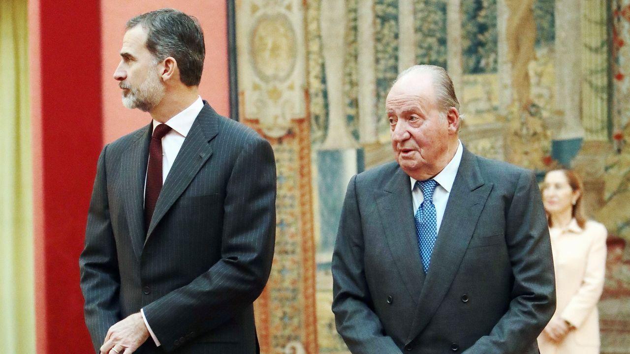 EN DIRECTO: mensaje del rey Felipe VI.El rey Felipe VI junto a su padre,  durante la reunión del patronato de la Fundación Cotec del 2019