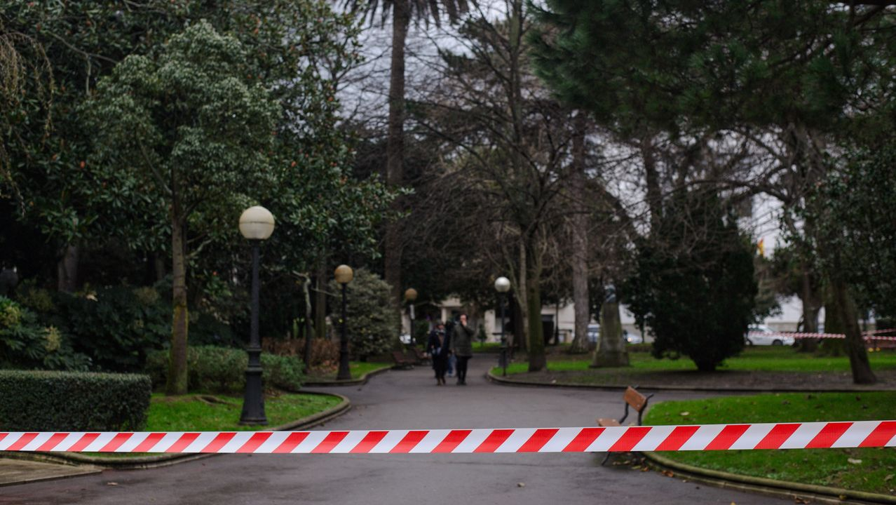Parques cerrados en A Coruña por la llegada de Elsa