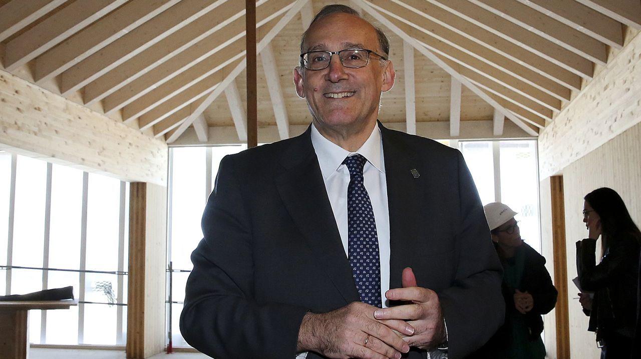 Antón Gómez Reino (Congreso) El diputado de Podemos es el último azote contra Villares, al que quiso echar con la candidatura de Bruzos. Como líder de Podemos en Galicia impulsa la candidatura alternativa